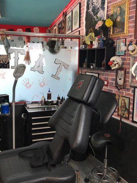 Prenota il tuo tatuaggio - vieni allo studio di tatuaggi Inkonshow